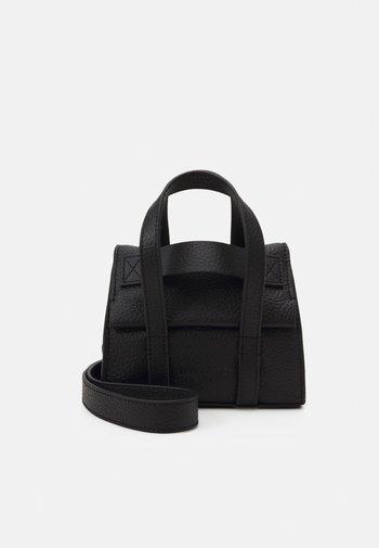 SATCHEL XS - Across body bag - black