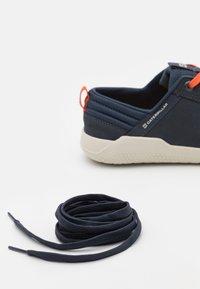 Caterpillar - HEX SHOE - Sneakersy niskie - india ink - 5