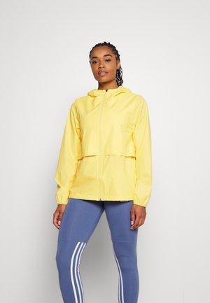 PACK IT UP - Sports jacket - riviera yellow