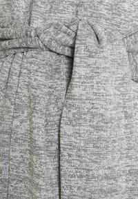 MAMALICIOUS - MLILA - T-shirt z nadrukiem - medium grey melange - 2