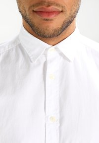 Esprit - SOLIST SLIM FIT - Shirt - white - 3