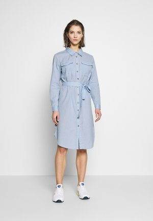 JDYTULIP DRESS - Sukienka koszulowa - chambray blue