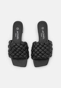 Monki - Pantofle - black dark - 5
