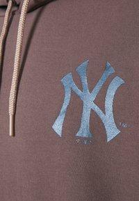 Fanatics - MLB NEW YORK YANKEES DIFFUSION OVERHEAD HOODIE - Sweatshirt - sparrow - 5