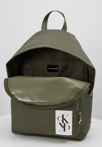 Calvin Klein Jeans - SPORT ESSENTIALS BACKPACK - Rugzak - green - 4