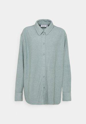 EDYN TOWELLING - Button-down blouse - green