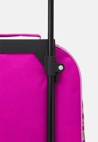 Fabrizio - PAW PATROL KIDS TROLLEY UNISEX - Wheeled suitcase - rose - 3
