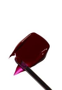 MAC - PATENT PAINT LIP LAQUER - Lip gloss - polished prize - 5
