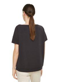 comma - Basic T-shirt - black - 1