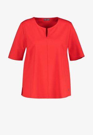 Basic T-shirt - power red
