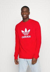 adidas Originals - TREFOIL CREW UNISEX - Sweatshirt - red - 0