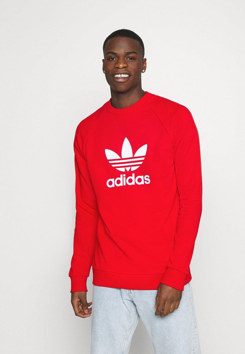 adidas Originals - TREFOIL CREW UNISEX - Sudadera - red