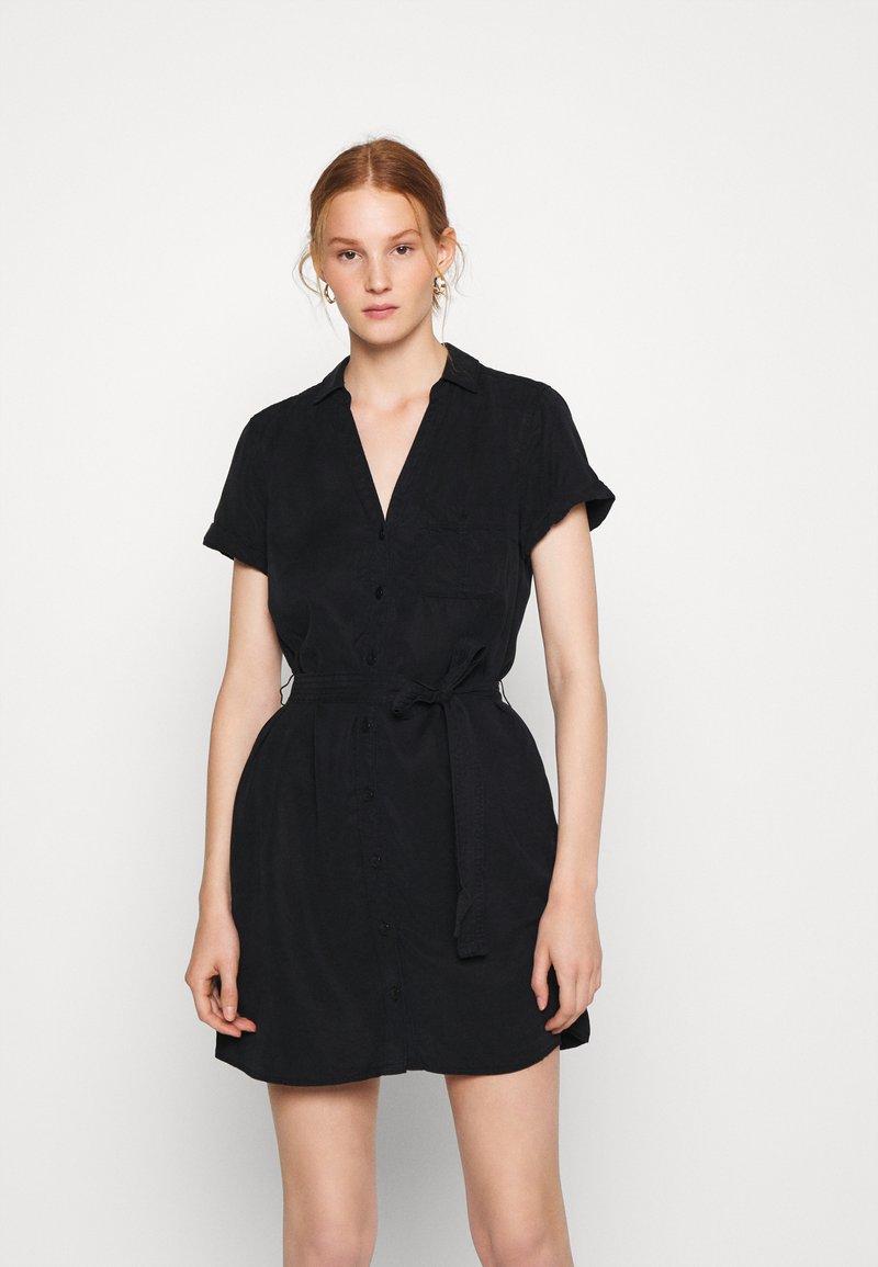 Abercrombie & Fitch - Abito a camicia - black