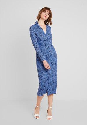 Denní šaty - blue grid