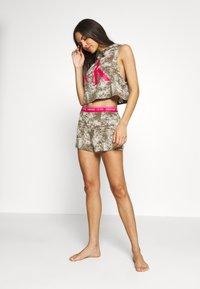 Calvin Klein Underwear - ONE LOUNGE BOOTY  - Pyjama bottoms - muted pine bleach - 1