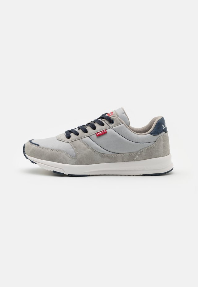 BAYLOR 2.0 - Trainers - light grey