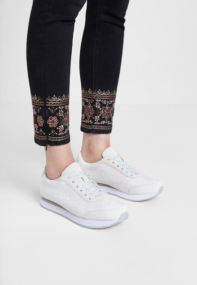 GALAXY MANDALA - Sneakers laag - white
