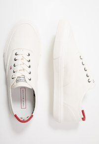 Tommy Hilfiger - CORE OXFORD - Trainers - white - 1