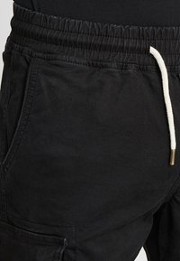 Pier One - Pantaloni cargo - black - 3