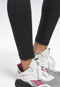 Reebok - WORKOUT READY PANT PROGRAM LEGGINGS - Leggings - black - 4