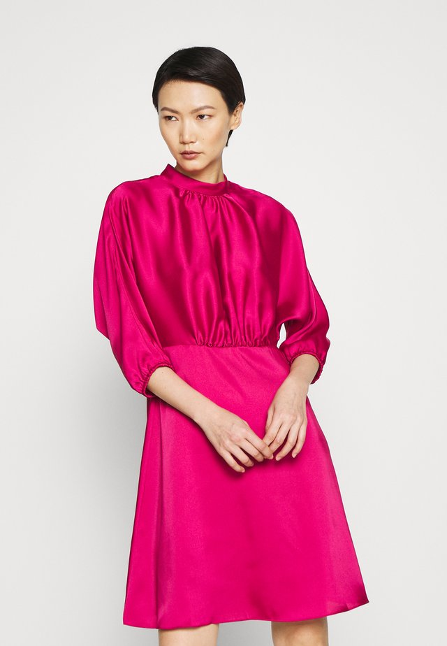 WHITNEY DRESS - Day dress - fuschia