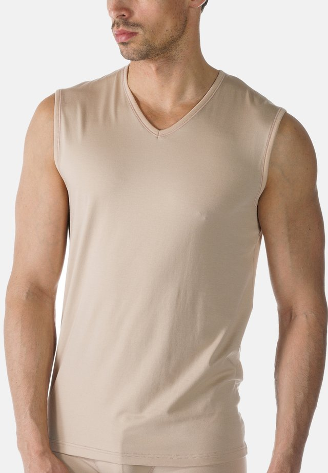 Undershirt - light skin