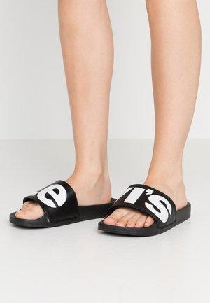 JUNE  - Sandalias planas - regular black
