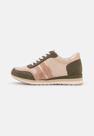 Sneakers laag - kakhi