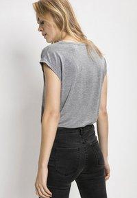 Pieces - T-shirt imprimé - light grey melange - 1