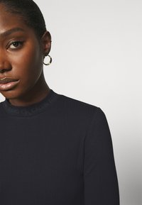 Calvin Klein Jeans - LOGO LONG SLEEVES - Long sleeved top - black - 4