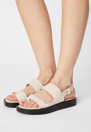 ASHLEY - T-bar sandals - pristine mini lizard