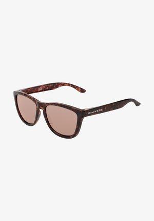 ONE - Sluneční brýle - brown