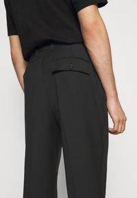 3.1 Phillip Lim - SINGLE PLEAT - Kalhoty - black - 5