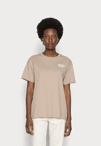 Marc O'Polo DENIM - SHORTSLEEVE ROUNDNECK - Print T-shirt - rocky road - 0