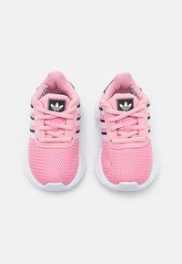 adidas Originals - LA TRAINER LITE UNISEX - Zapatillas - light pink/footwear white/core black - 3