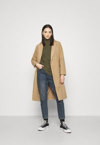 Even&Odd - BASIC- Roll neck- long line - Jersey de punto - khaki - 1