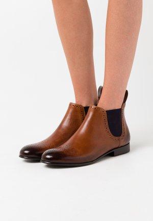 SALLY  - Kotníková obuv - wood