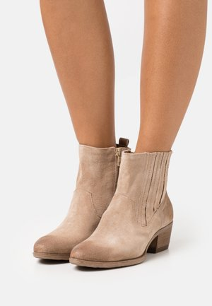 DALLAS DALLY - Cowboy/biker ankle boot - opale
