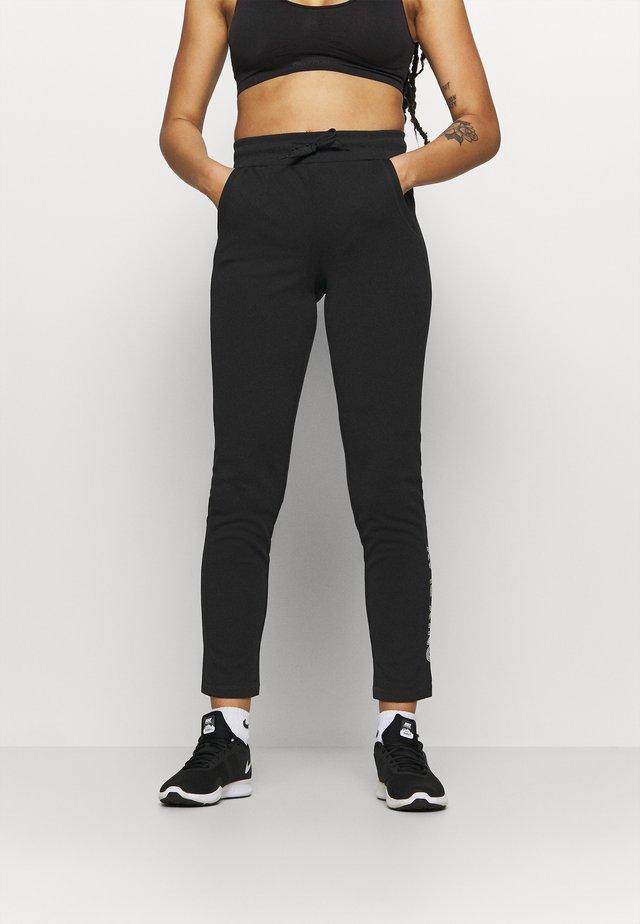 ONPNYLAH SLIM PANTS - Pantalon de survêtement - black/white