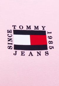 Tommy Jeans - FLAG LONGSLEEVE - Long sleeved top - romantic pink - 6
