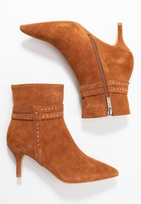 Shoe The Bear - BERGIT - Classic ankle boots - tan - 3