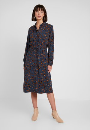 NUMARIAM DRESS - Skjortekjole - ombre blue