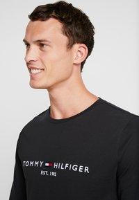 Tommy Hilfiger - LONG SLEEVE LOGO - Long sleeved top - black - 3