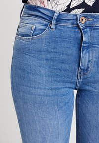 ONLY - ONLPAOLA HIGHWAIST - Jeans Skinny Fit - light blue denim - 3
