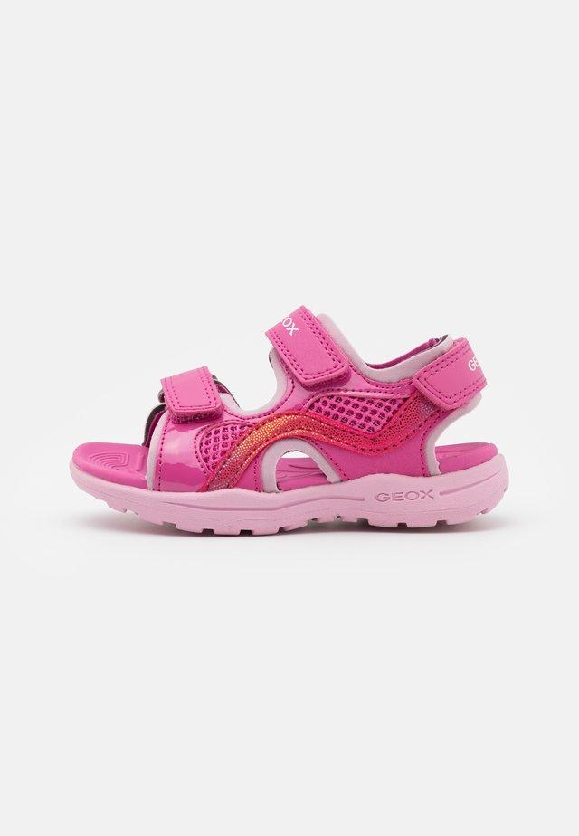 VANIETT GIRL - Chodecké sandály - fuchsia/pink