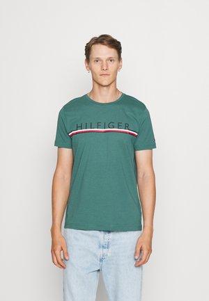 CORP STRIPE TEE - Print T-shirt - sea steel