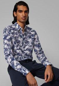 BOSS - RONNI_F - Shirt - dark blue - 3