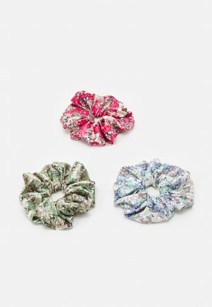 PCJACKIELINE SCRUNCHIE 3 PACK - Hair Styling Accessory - kentucky blue/flower red/green