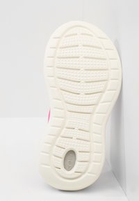 Crocs - LITERIDE PACER - Trainers - electric pink/white - 4
