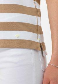 BRAX - STYLE CLEO - Polo shirt - sand - 4